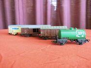 4 Güterwagen - Waggons / Modelleisenbahn Spur H0 / Märklin, Lima, u.a. / Sammler - Zeuthen