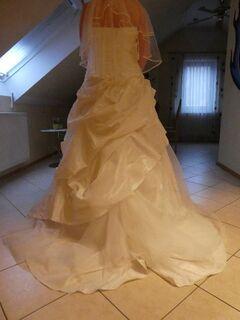 Ungetragenes schönes Brautkleid zu verkaufen - Würzburg