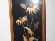 verglastes Holzschnitz-Bild: blühende Blumen - Bad Belzig