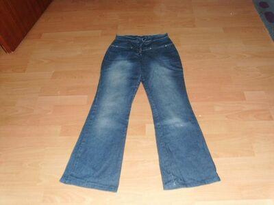 Jeans mit Schlag, Gr. 38 - Bad Harzburg Zentrum