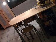 Küchenbartisch Thekentisch m. 3 Niedriglehner Klapphockern Buche hell /Alu 2 seitl. Ablagefächer Flaschenfach Weinfach große Ablage unterhalb der Tischplatte Maße des Tisches ca. 1,35 m Länge x 90 cm Höhe x 40 cm Tiefe - Schellerten