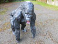 Affe Gorilla wütend aus GFK Dekofigur für Haus und Garten - Hergisdorf