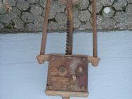 Alte mechanische Presse aus Metall - Amstetten
