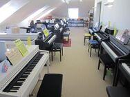 Yamaha Clavinova Digitalpianos sofort verfügbar ab: - Nideggen