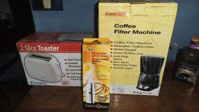 Schneider-Kaffeemaschiene und TOSTER plus Maker neu - Kassel