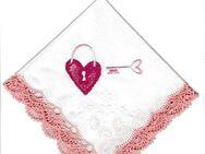 Herz gestickt auf Taschentuch oder andere Textilien - Stuttgart