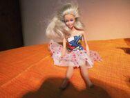 Ältere Barbie- Puppe um 1986 / Aufschrift an Hüfte Mattel Inc. 1966 Malaysia - Zeuthen