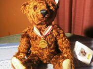 STEIFF Bärliner Teddybär, Deutschlandbär 2001 mit Musikwerk, 33 cm / Sammler - Zeuthen