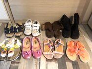 Kinder Schuhe Größe 30 - Königsbach-Stein