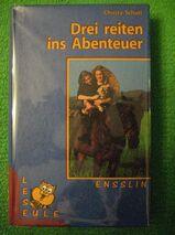 """""""Drei reiten ins Abenteuer"""" von Christa Schütt in sehr gutem Zustand, Ensslin und Laiblin Verlag, 159 Seiten, stammt aus 1996, ISBN: 3770909100, zum Schutz für weiteren Gebrauch schon eingebunden, 4,- €"""