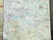 Farbige Deutschland Landkarte, Top Zustand. Auf stabilem Karton mit fester Umrahmung. Oben und unten Metallrahmung. Ebenfalls mit Hängervorrichtung. Maße: 1,90m hoch, 1,30m breit. - Frankfurt (Main)