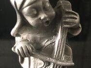 Massive Zinnfigur - Nonne mit Cello - Gelsenkirchen