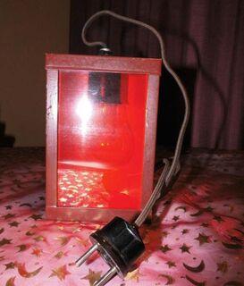 Antike Dunkelkammer Leuchte - Lampe mit INAKTIN K Farbfilter rot 3340 / Rarität - Zeuthen
