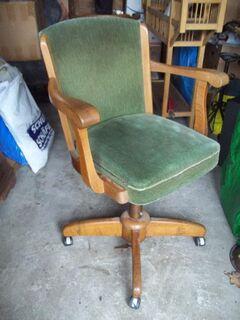 Vertiko. Eichen Schr.Dreh Sessel.Alte Pferdemarkts - Krüge. - Uhren - Bilderr. Schlitten, - Telgte Zentrum
