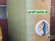 P57 gebrauchter 3.000 L Polyestertank GFK-Tank Staffelstein-Tank oberirdisch stehend Wassertank Regenauffangtank Flüssigfuttertank Molketank Melassetank Rapsöltank - Nordhorn
