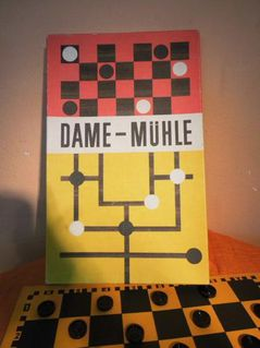 Einfaches altes Dame-Mühlespiel VEB Spika, ehemalige DDR um 1980 / Brettspiel - Zeuthen