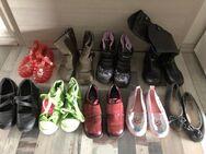 verschiedene Kinder Schuhe Größe 28 - Königsbach-Stein