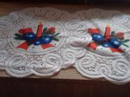 2 runde Deckchen mit  Kerzenmotiv 27 cm - Euskirchen