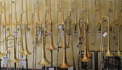 Arnold & Sons Bb/F/Eb - Bass - Posaune, Goldmessing, Neuware - Hagenburg