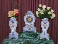 Antike Kaminuhr + 2 Beisteller Vasen / Keramik Uhr / Blumen Motiv / Dekoration - Zeuthen