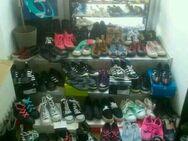 Schuhe%100paar+mehr♡+5Socken neu konvult31-42+regal+Zubehör alles - Aalen
